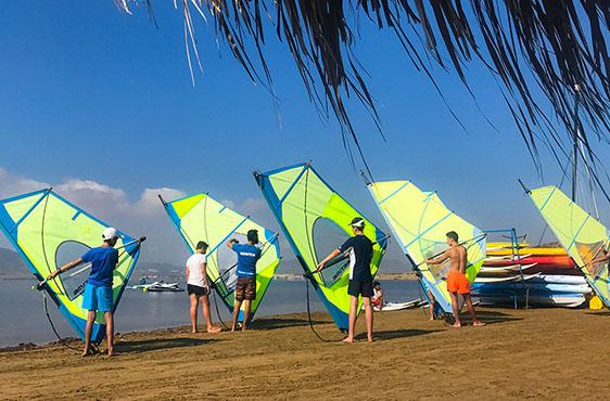 Clases de windsurf en dos mares wind la manga
